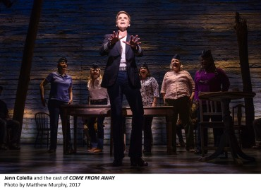[4]_Jenn Colella and the cast of COME FROM AWAY